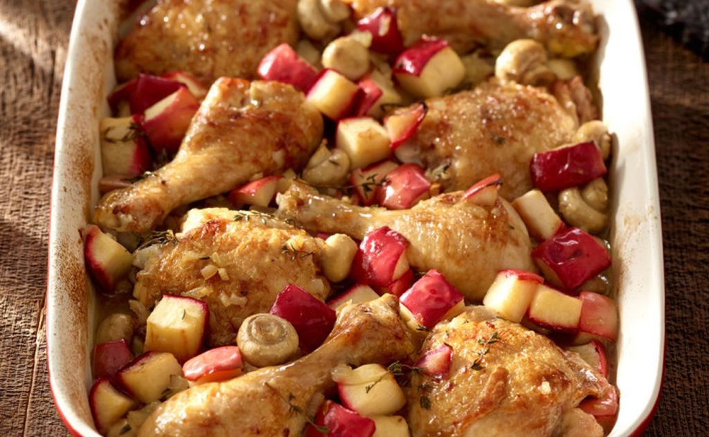 Quick Red Prince Apple and Chicken Bake