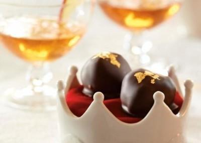 Truffes dorées au caramel aux pommes Red Prince